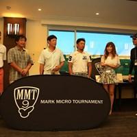 プロ部門の優勝者、左から芹澤大介、青木繁之、今野康晴、河瀬賢史と、主催者のマーク金井 2014年 マーク・マイクロ・トーナメント 優勝者