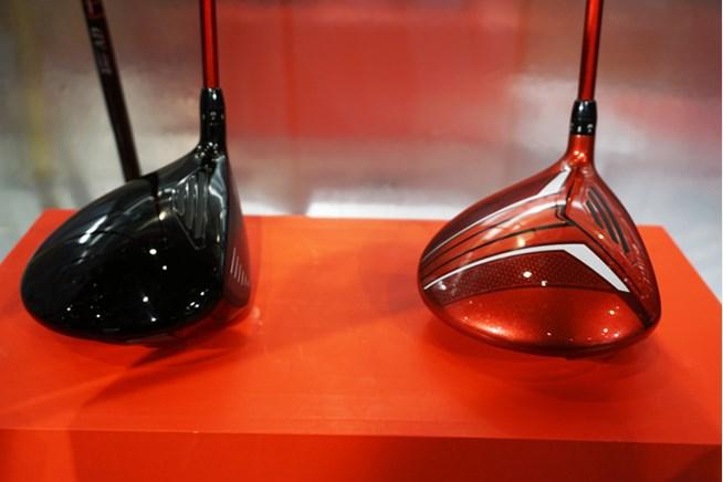 左の『J815 BLACK(ブラック)』