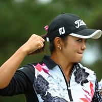 キャディを殴ろうとする乱暴者の?優子さん。 2015年 日本女子オープンゴルフ選手権競技 3日目 三塚優子