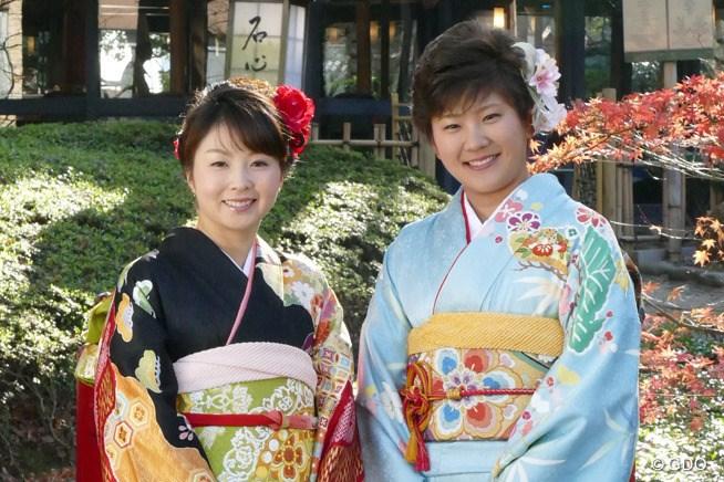 艶やかな振袖姿で登場した菊地絵理香と成田