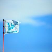 午後はとてお強い風が 2016年 ニトリレディスゴルフトーナメント 初日 ピンフラッグ