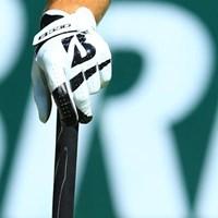 手袋の契約なんてあるんだね。 2016年 ブリヂストンオープンゴルフトーナメント 初日 ブライソン・デシャンボー