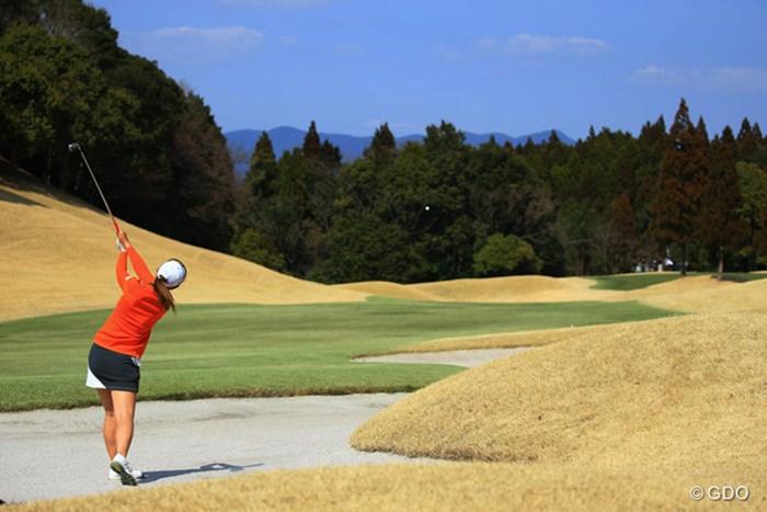 15番、ティショットがバンカーに捕まりボギー。 2017年 Tポイントレディス ゴルフトーナメント 最終日 渡邉彩香