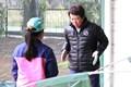 熱心にアドバイスする樋口久子相談役※イベント事務局提供