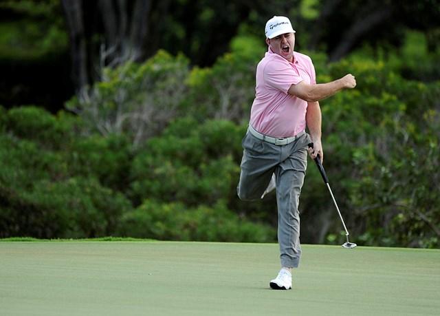 ガリガスは豪快なガッツポーズで背中に張りを感じた(2011年「ヒュンダイトーナメント・オブ・チャンピオンズ」3日目/Stan Badz PGA TOUR)
