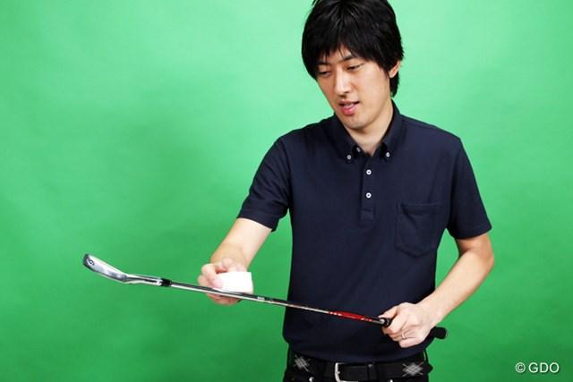 中古ギアを扱うゴルフガレージ新橋銀座口店の桂雄介さん