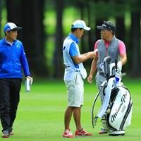 ラウンドレポーター佐藤信人プロとの会話でリラックスです。 2017年 ANAオープンゴルフトーナメント 3日目 手嶋多一