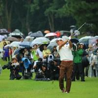 雨の最終日、水を含んだ長いラフからのショットは厳しかったでしょうね。 2017年 日本オープンゴルフ選手権競技 最終日 池田勇太