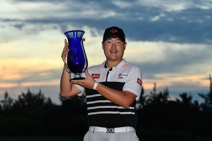 ウェブドットコムツアーでデビュー戦Vを飾った19歳のイム・ソンジェ(Ryan Young/PGA TOUR) イム・ソンジェ