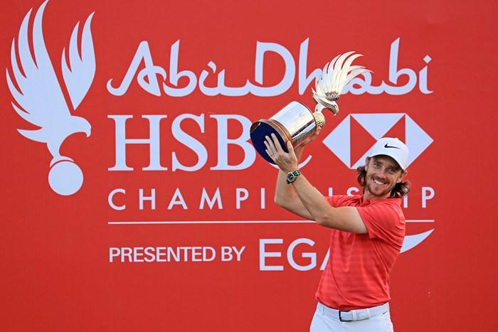 連覇を達成したトミー・フリートウッド(David Cannon/Getty Images) 2018年 アブダビHSBCゴルフ選手権 最終日 トミー・フリートウッド