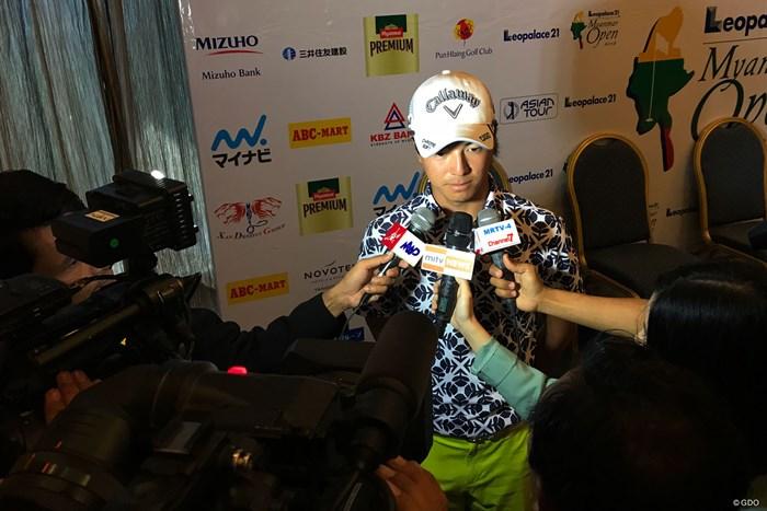 開幕2日前。石川遼は現地メディアのインタビューに追われた 2018年 レオパレス21ミャンマーオープン 事前 石川遼