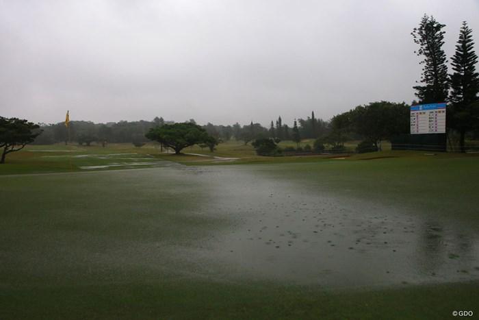 また雨足が強くなってきた 2018年 ダイキンオーキッドレディスゴルフトーナメント 3日目 9番