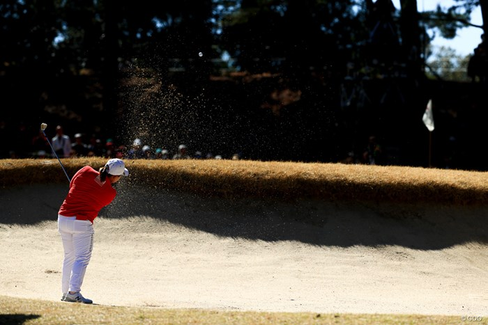 芝生よ。早よ緑になってくれ 2018年 ヨコハマタイヤゴルフトーナメント PRGRレディスカップ 最終日 アン・ソンジュ
