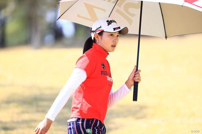 日傘をさして 2018年 アクサレディスゴルフトーナメント in MIYAZAKI 2日目 三浦桃香
