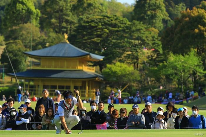なかなかこんな背景でゴルフが撮れるゴルフ場もあるまい。 2018年 東建ホームメイトカップ 2日目 石川遼