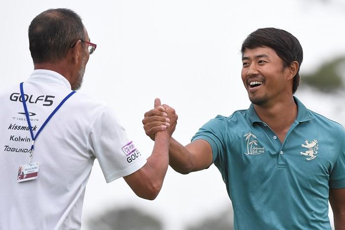 勝利を飾って喜ぶ小平智(Ryan Young/PGA TOUR) 2018年 RBCヘリテージ 最終日 小平智