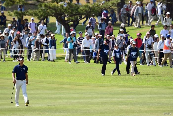 各組4人のギャラリーにロープ内で観戦できる権利が与えられます。遼君組はさぞや激戦であったろうと・・・。 2018年 パナソニックオープンゴルフチャンピオンシップ 2日目 インサイドロープ・ギャラリー