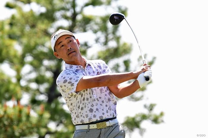 腰が痛くてフォロースルーはここまで。ゴルフって腰が回らなくてもできるんや・・・。14位タイ 2018年 パナソニックオープンゴルフチャンピオンシップ 3日目 久保谷健一