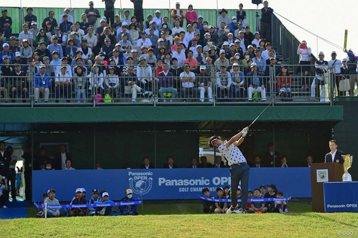 第1組スタートでも大勢のギャラリーを引き連れた 2018年 パナソニックオープンゴルフチャンピオンシップ 最終日 石川遼