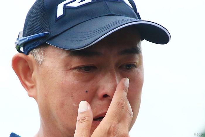目に涙をためた谷口徹。空白の時期にピリオドを打った 2018年 日本プロゴルフ選手権大会 最終日 谷口徹