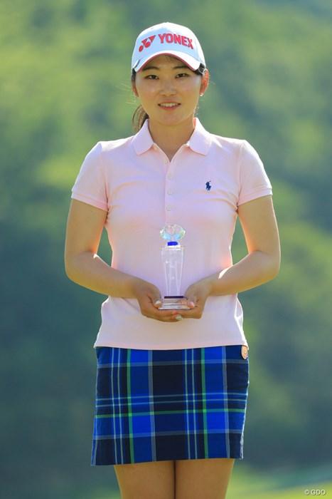 新潟の開志国際高校出身です。ローアマ獲得! 2018年 ヨネックスレディスゴルフトーナメント 最終日 石井理緒