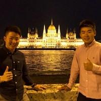 オープンウィークに高校時代の後輩(左)とヨーロッパ旅行に行ってきました 2018年 川村昌弘