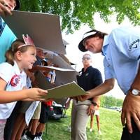 子供の目線に合わせるとても素敵な紳士 2018年 全米プロゴルフ選手権 事前 フィル・ミケルソン