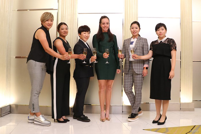 (左から)成田美寿々、鈴木愛、申ジエ、ジョージア・ホール、比嘉真美子、勝みなみ 2019年 ワールドレディスチャンピオンシップサロンパスカッ プ 事前