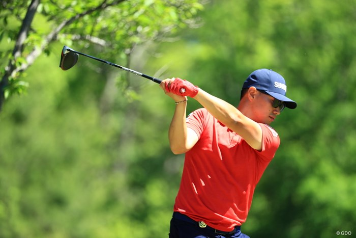 赤いグローブかっこいい8位タイ 2019年 関西オープンゴルフ選手権競技 初日 中西直人