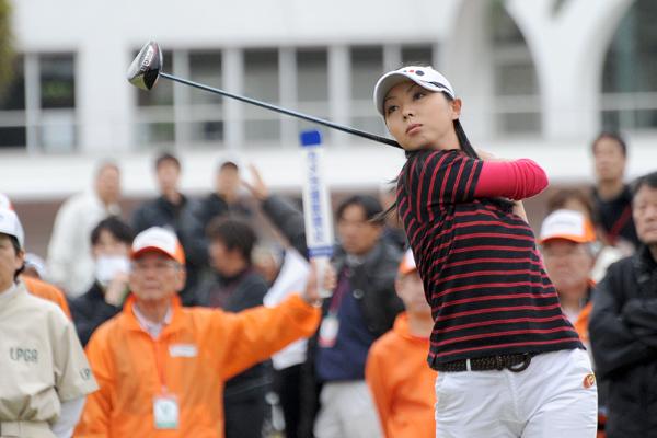 塩田亜飛美 2010年 ヨコハマタイヤゴルフトーナメントPRGRレディス ...