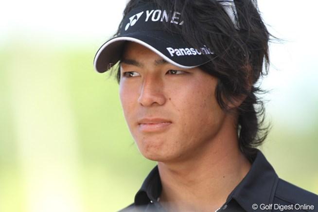 ラウンド後、インタビューを受ける石川遼。