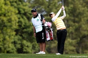 2011年 サイバーエージェントレディスゴルフトーナメント 2日目 横峯さくら