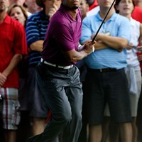 16番では右ラフからスライスでチャンスを迎えたタイガー・ウッズ(Sam Greenwood/Getty Images) 2011年 WGCブリヂストンインビテーショナル 初日 タイガー・ウッズ