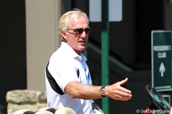 全米プロゴルフ選手権会場に現れたグレッグ・ノーマン 2011年 全米プロゴルフ選手権 2日目 グレッグ・ノーマン