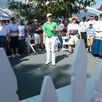 9番でグリーン奥のテントの庭に打ち込んでしまったロリー・マキロイ 2011年 全米プロゴルフ選手権 最終日 ロリー・マキロイ