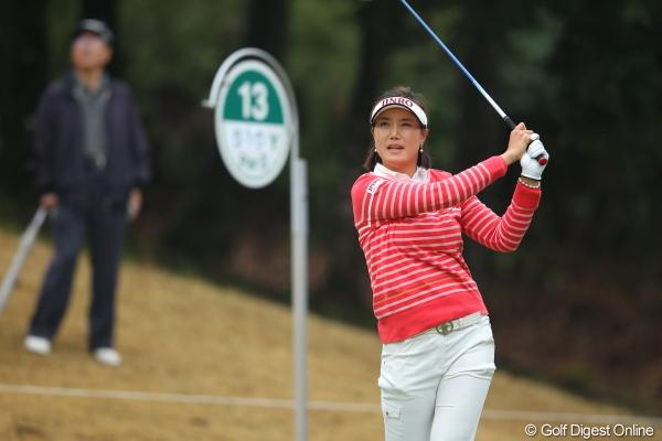 ちなみに比嘉さん、アマチュアのオーラゼロです。 2012年 Tポイントレディスゴルフトーナメント 2日目 比嘉真美子