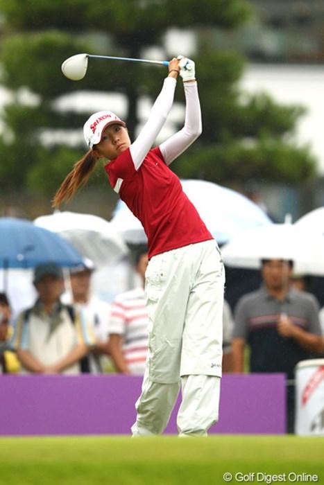 福島で被災者として苦しい時期を過ごしながら今年のプロテスト一発合格のルーキー 2012年 ミヤギテレビ杯ダンロップ女子オープンゴルフトーナメント 初日 岸部桃子