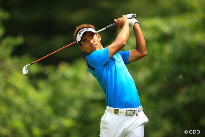 今年から日本ツアーに参戦しているタイの選手です。まずは顔と名前を覚えてくださいね。タンヤゴーン・クロンパ!首位と2打差の単独3位です。 2014年 日本ゴルフツアー選手権 森ビルカップ Shishido Hills 2日目 T・クロンパ